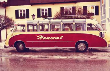 old bus by MaithaNeyadi