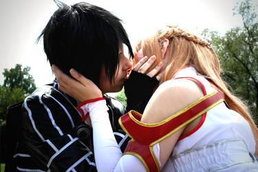 The Kiss - Kirito Asuna Cosplay [Anime SAO] by K-I-M-I