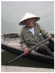 Hoi An Boatman by kayne