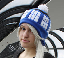 Tardis Doctor Who Hat by akiseo