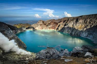 Kawah Ijen - World's largest highly acidic lake by Usayed
