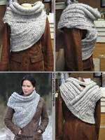 Katniss Woven Cowl from Catching Fire by Verdaera