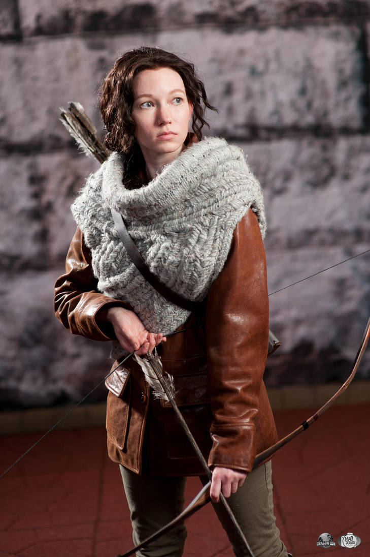 Hunting for Turkeys - Katniss Woven Cowl by Verdaera