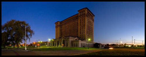 Michigan Central Station by bwan