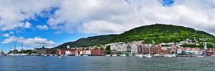 Big Panorama Port Bergen by Bull04