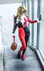 Harley and her Hammer by PragueShitaiCT