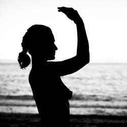 beach silhouette by athrawn