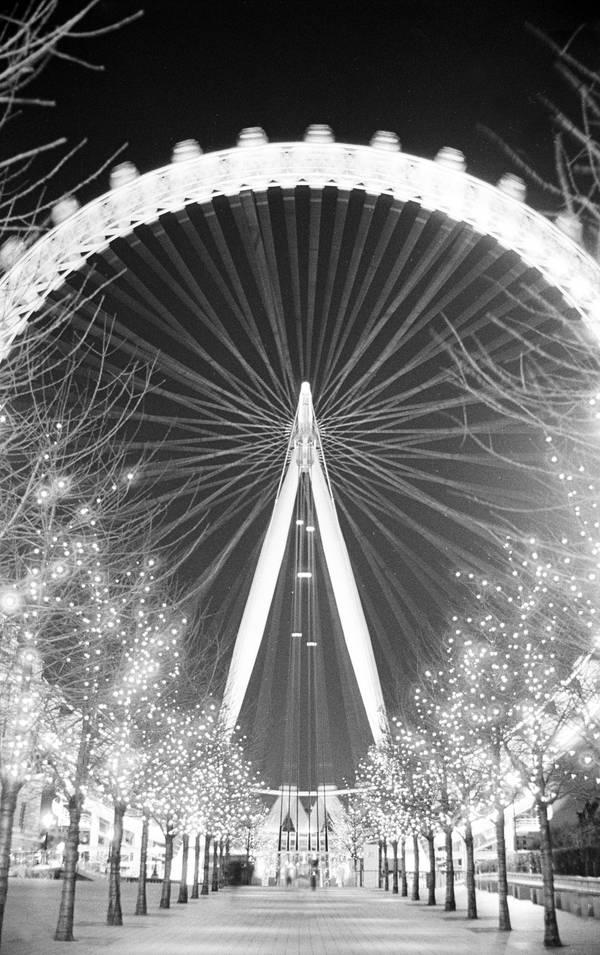 London Eye 3 by Phesarnion