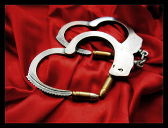 handcuff Heart by LimpidD
