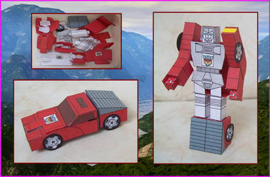 AUTOBOT-MINIVEHICLE-WINDCHARGER-MADE-IN-CARDBOARD by Paperman2010