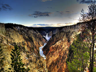 Yellowstone in HDR 7 by draqza