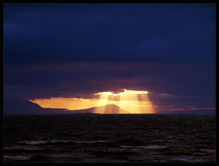 Scotland XXIV - Rays of the... by MichiLauke