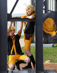 Kagamine Rin y Len ''Love is War'' - Cosplay by Myu-Chan-Cosplay