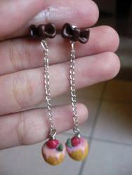 Strawberry cupcake earrings by ochamelon