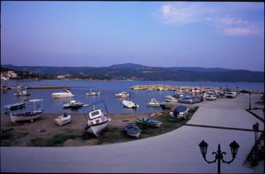 Port 2 by helohe