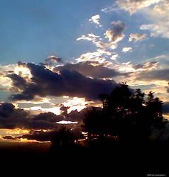 Golden Sunset by Mysterian077