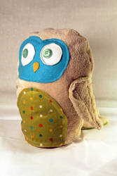 Plush Owl Giveaway! by geekygamergirl