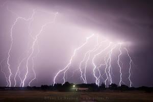 Tornado Alley 2013 - Lightning show by TonyLeBastard