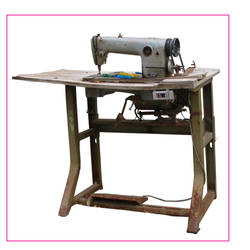 sewing machine by theYiota