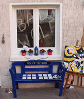 TARDIS Bench by Woolf83