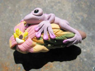 Magical Vilolet Frog 1.1 by masaste