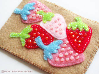 Strawberries on Felt by yuzukko