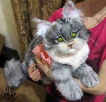 Maine coon cat. Poseable toy. Etsy Commission by MalinaToys