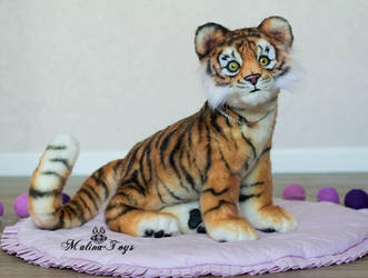 FOR SALE! Poseable toy Tiger Cub.With opening jaw by MalinaToys