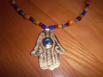 Hamsa necklace by NeSempai
