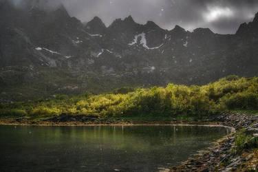 Falling splendor by Trichardsen