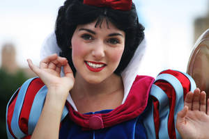 Beautiful Snow White by Mlle-Dreamer