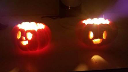 Smol Jack O Lanterns (with Light) by LuigiHorror64