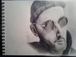 Leon the professional by AMYisC0P1C