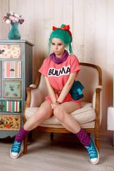 Dragonball - Bulma cosplay by Disharmonica