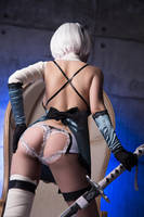 Nier Automata - 2B in Kaine outfit cosplay by Disharmonica