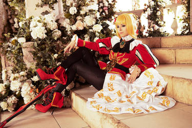 Fate/Extella - Saber Nero cosplay by Disharmonica