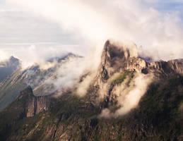 Misty Mountains by Laazeri