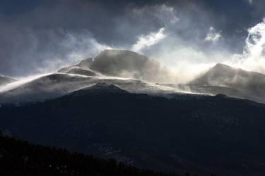 Longs Peak Windstorm by yenom