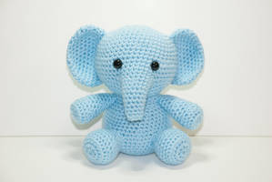 Ellden The Elephant by Heartstringcrochet