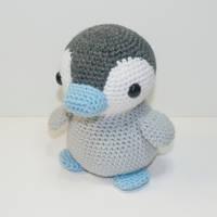 Emperor Penguin by Heartstringcrochet