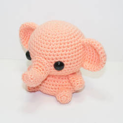 Little Elephant by Heartstringcrochet