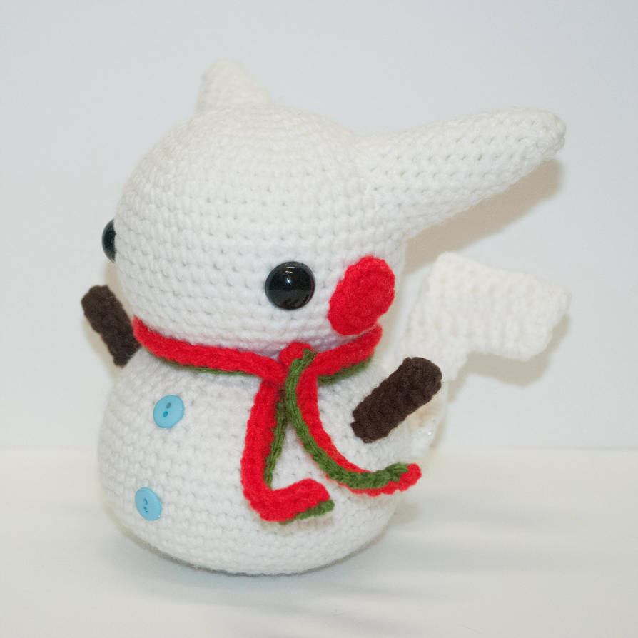 Pika snowman by Heartstringcrochet