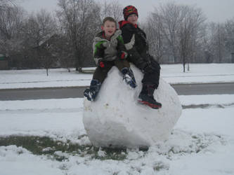 Giant Snowball by JohnTheImaginative