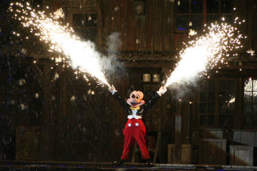 Fantasmic Mickey by xfkirsten