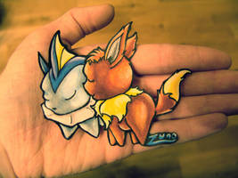 A Hug in my Hand... by Toyger