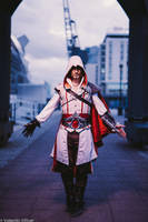 Ezio Auditore Cosplay Assassin'sCreed 2 MCM London by LeonChiroCosplayArt
