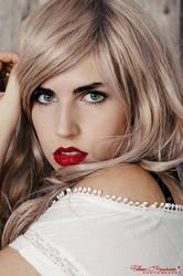 Blonde 2 by LoMiTa