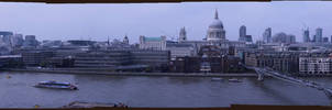 Full 180 degrees Panorama  of the Thames River by TheDonQuixotic
