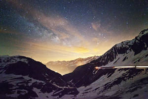 Milky Way over the Mountains by Ganjalvi