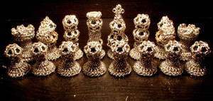 Chainmail Chess Set: Aluminum by ImrikDragon